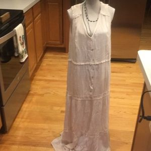 New linen maxi completely lined size large has tag